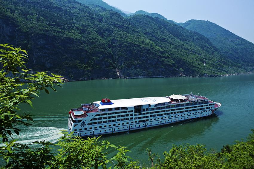 三峡游轮_重庆到宜昌游三峡哪个游轮最好,价廉物美?